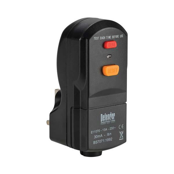Defender 13A Wireable RCD Plug 240V